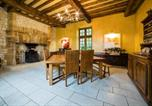 Location vacances Sainte-Mondane - Peyrillac-et-Millac Villa Sleeps 10 with Pool Air Con and Wifi-2