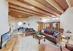 Location vacances Albuquerque - New Listing! Spacious Stunner w/ Hot Tub & Firepit home-1
