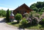 Location vacances  Jura - Chalets les Silènes-1