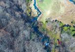 Location vacances Roanoke - Tentrr Signature Site - Top of the Rock at Beaverdam Falls-3