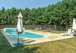 Location vacances  Eure - Beautiful home in Champignolles w/ 3 Bedrooms-2