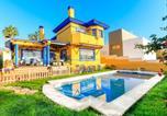 Location vacances Rincón de la Victoria - Holiday Home El rosal-1