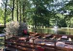 Location vacances Rouvroy-sur-Serre - Châlet de Lola calme assuré avec étang de pêche-1