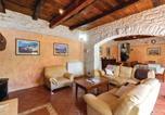 Location vacances Žminj - Four-Bedroom Holiday Home in Damijanici-3