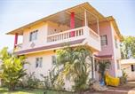 Location vacances Mahabaleshwar - Bungalow with a garden in Mahabaleshwar, by Guesthouser 34827-1