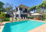 Location vacances Sant Andreu Salou - Vidreres Villa Sleeps 10 Pool Wifi-1