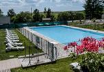 Location vacances Besse-et-Saint-Anastaise - Apartment Le Bois de la Reine.2-3
