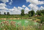 Camping avec Site nature Franche-Comté - Huttopia La Plage Blanche-2