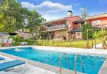 Location vacances Las Rozas de Madrid - Rustic Apartment with garden, swimming pool and spa in Galapagar-1