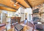 Location vacances Big Bear City - Cozy Big Bear Cabin with Spacious Deck and Fireplace!-1