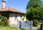Location vacances Razengues - House with 3 bedrooms in Martisserre with enclosed garden and Wifi-1