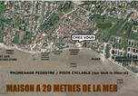 Location vacances  Charente-Maritime - Les pieds dans l'ocean Chatelaillon plage La Rochelle Yves-2
