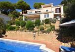 Location vacances Santa Cristina d'Aro - Beautiful Villa with Private Pool near Forest in Catalonia-1