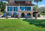 Location vacances San Casciano in Val di Pesa - Lovely Holiday Home in San Casciano Val di Pesa with Pool-1