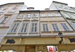Location vacances Praha - Eclectic Loft Royal Way-2