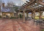 Location vacances Burleson - Inn at Windhill Ranch with Patio and Pergola!-2