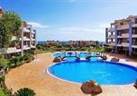 Location vacances Arona - A Spacious 4 Bedroom Townhouse-1