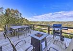 Location vacances Kyle - Hill Country Escape with Hot Tub, 3 Mi to Dtwn!-1