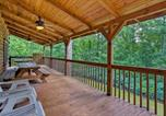 Location vacances Forest City - Cabin on 3 Acres with Deck and Fire Pit - 5mi to Tiec!-2
