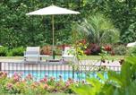 Location vacances Noailhac - Chambre d'Hôtes Le Castelet-1