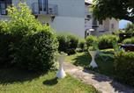 Location vacances Pugny-Chatenod - Les Meublés des Coteaux d'Aix-1