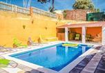 Location vacances Hostalric - Three-Bedroom Holiday Home in Macanet de la Selva-2
