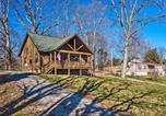 Location vacances Crossville - Cozy Cabin Retreat with Deck By Golf and Bass Fishing!-2
