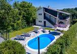 Location vacances Varaždinska - Amazing home in Vinica Breg w/ Outdoor swimming pool and 3 Bedrooms-1
