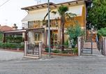 Location vacances Gemmano - Pleasant Apartment with Courtyard, Terrace, Parasol, Balcony-1
