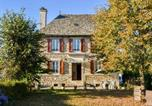 Location vacances  Cantal - Cozy Holiday Home in Senezergues with Garden-1