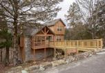 Location vacances Branson West - Whispering Woods Lodge-Sleeps 10 Home-1