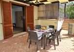 Location vacances  Province de Latina - Stazione di Itri Apartment Sleeps 6 Pool Air Con-4