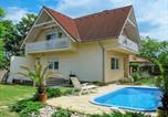 Location vacances Balatonszárszó - Holiday Home Edina - Sza115-1
