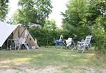 Camping avec Piscine couverte / chauffée Jumièges - Camping de la Forêt-1