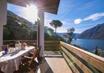 Location vacances  Province de Côme - Nesso Villa Sleeps 8 Pool-1
