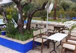 Location vacances Evenos - Villa avec piscine chauffée-2