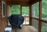 Location vacances Lake Lure - The Bears Den, Cabin at Lake Lure-2