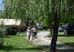 Camping avec Piscine Petit-Palais-et-Cornemps - Camping Etangs de Plessac-3