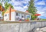 Location vacances Osoyoos - Waterfront Lake Osoyoos Cottage w/ Beach & Patio!-1