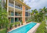 Location vacances Holloways Beach - Yorkeys Knob Beachfront Apartment-2