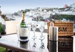 Location vacances Brixham - High Hopes, Harbour Apartment with Sea Views & Free Parking Permit-2