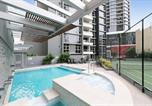 Location vacances Spring Hill - Sk2 - Charming Skyline Cbd w River Views 3 Br Private Apartment-2