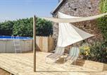 Location vacances  Manche - Beautiful home in Montpinchon w/ Outdoor swimming pool and 2 Bedrooms-2