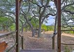 Location vacances Kyle - Secluded Cabin Oasis with Hill Country Views!-4