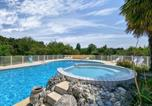Location vacances Saint-Jean-d'Angély - Alluring Holiday Home in Saint-Savinien with Pool-1