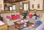 Location vacances Castillo de Locubín - Holiday Home Montefrio with Fireplace 06-2