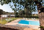Location vacances  Province de Brindisi - Trullo delle stelle-4