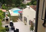 Location vacances Saint-Jean-d'Angély - Studio a Saint Jean d'Angely avec piscine privee jardin clos et Wifi a 40 km de la plage-2