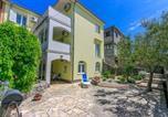 Location vacances Kraljevica - Apartments and Room Slavica-1