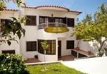 Hôtel Mafra - Ericeira Chill Hill Hostel & Private Rooms - Peach Garden-2